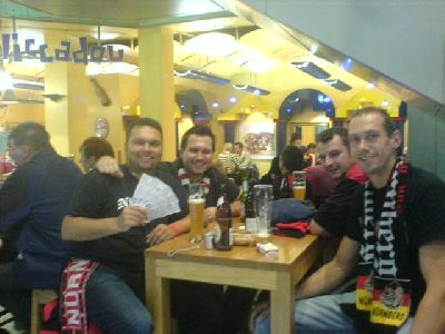 Dudze, Paul, Fahnenmeier, Bomber Manolo nach Bukarest